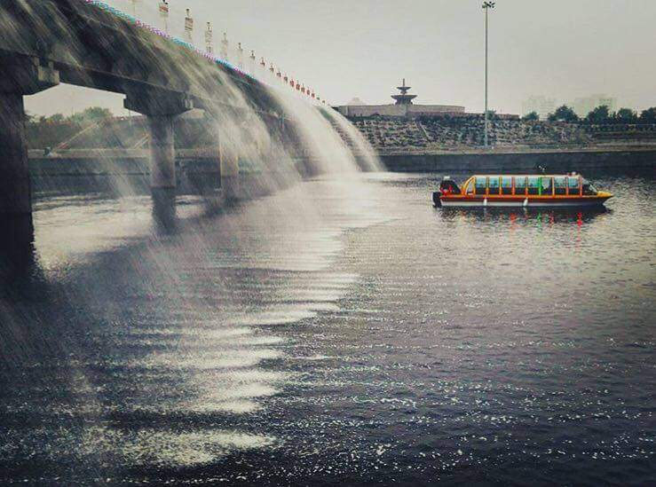 Lucknow Water Bus. Image via Facebook.